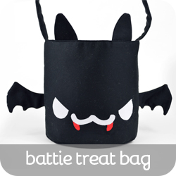 047-BattieTreatBag